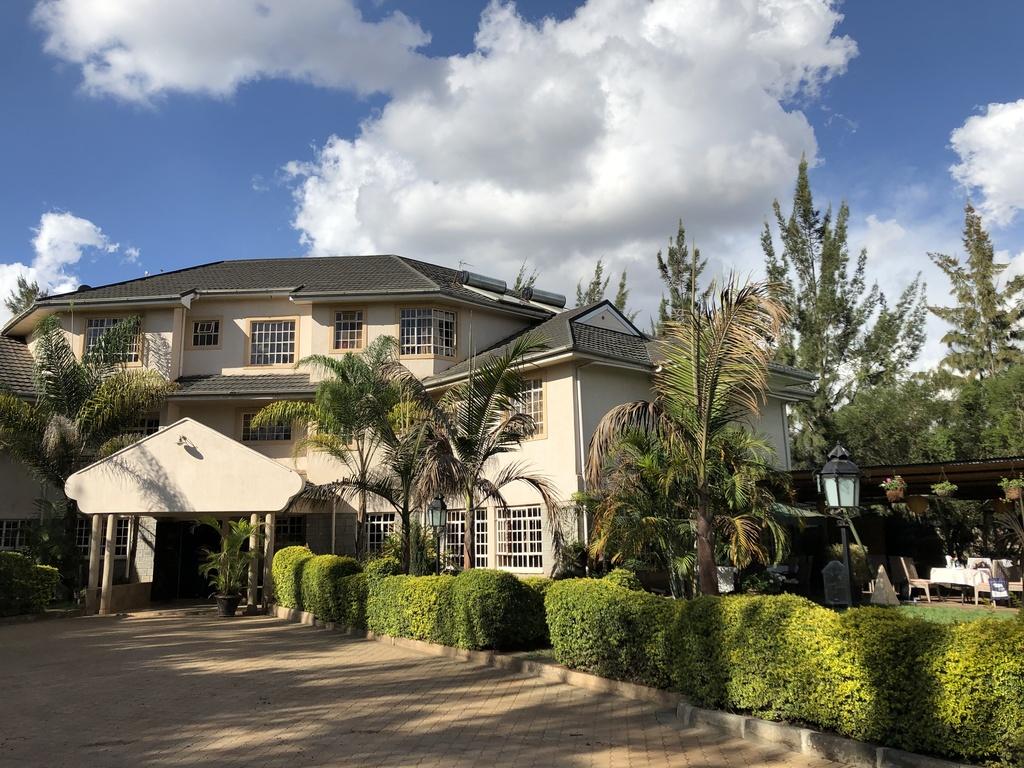 Rudi *** in  Nairobi