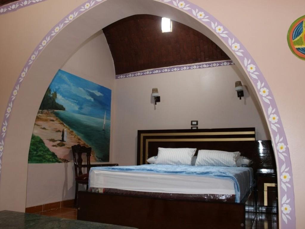 Tuya *** in Abu Simbel