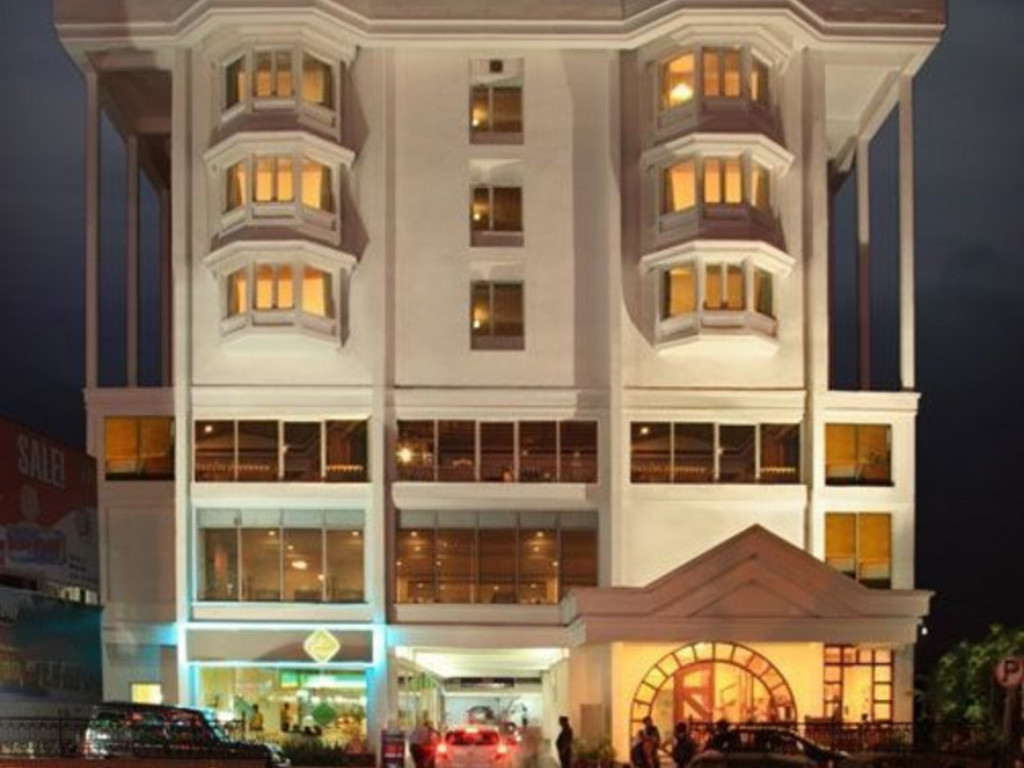 Abad Plaza *** in Cochin