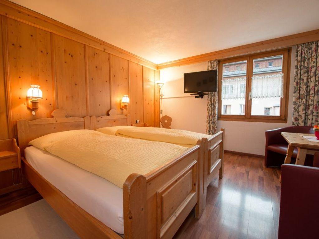 Hotel Crusch Alba*** in Scuol