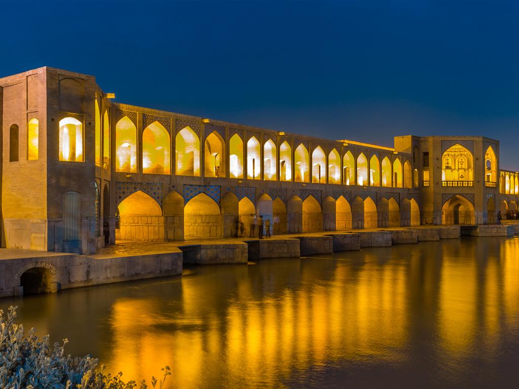 Isfahan: Stadtrundgang, Besuch eines besonderen Teehauses, Brücken Sio se Pol und Kajou
