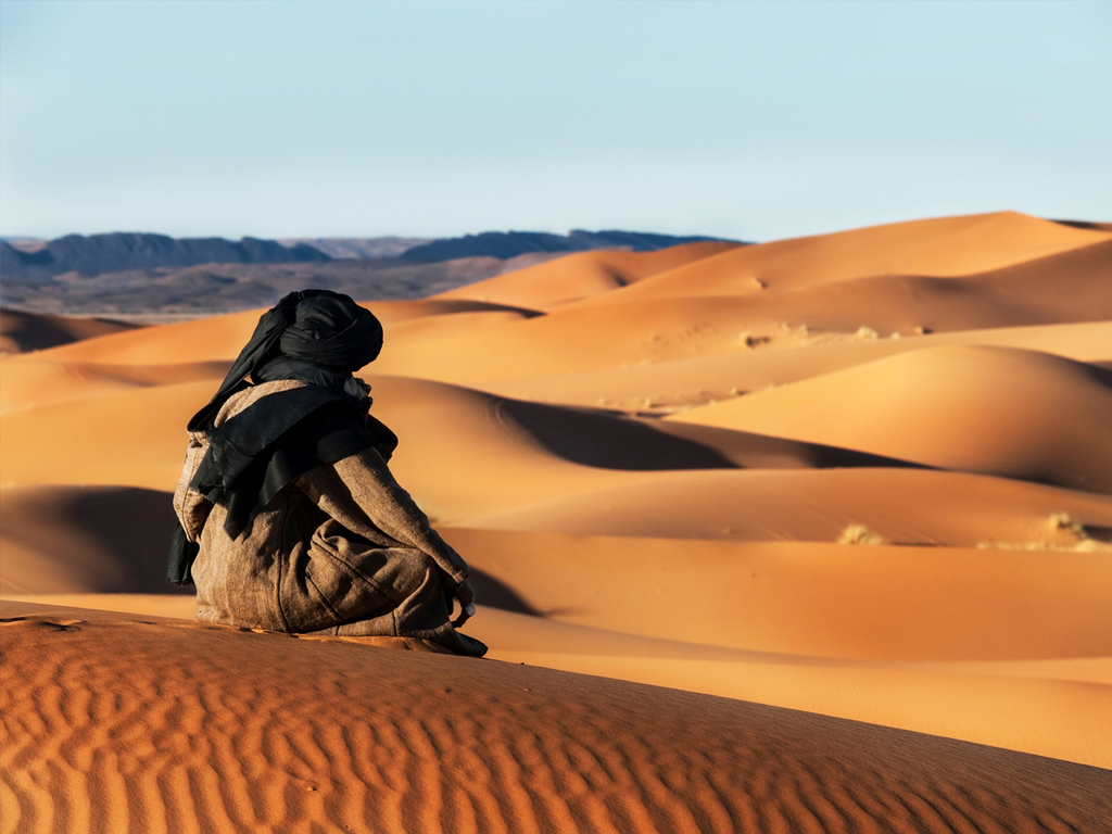 Merzouga: Musik-Show der Gnaoua, Kamelritt durch die Sanddünen zum Sonnenuntergang