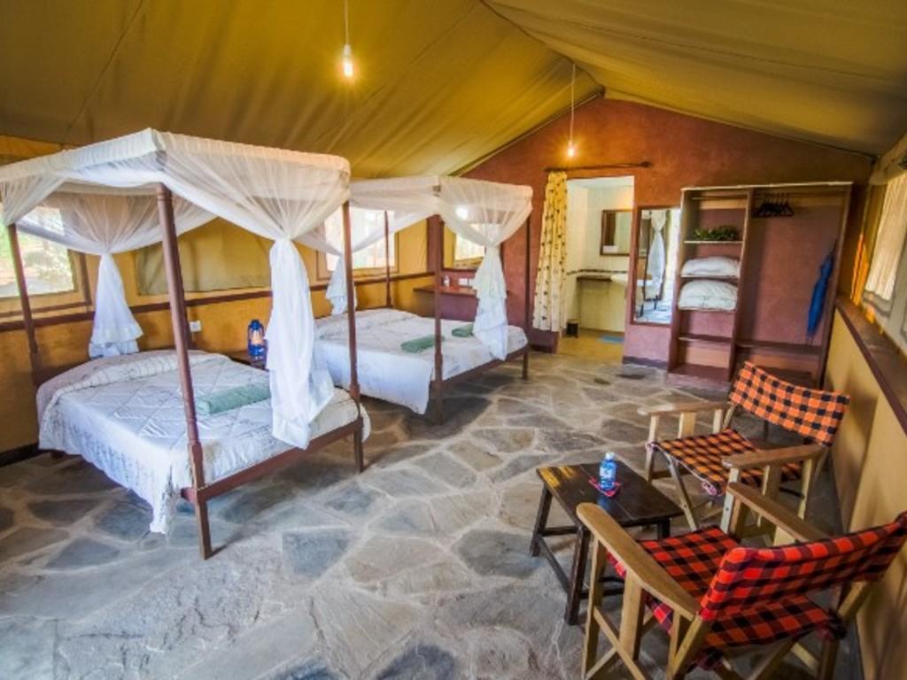 Sentrim Tsavo East Tented Lodge *** am Tsavo East-Nationalpark
