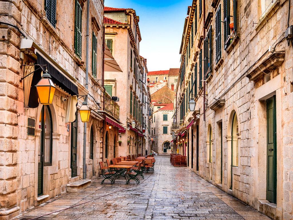 Plat – Dubrovnik – Plat: Stadtbesichtigung Dubrovnik, über MIttag Freizeit, Kajaking um die Insel Lokrum
