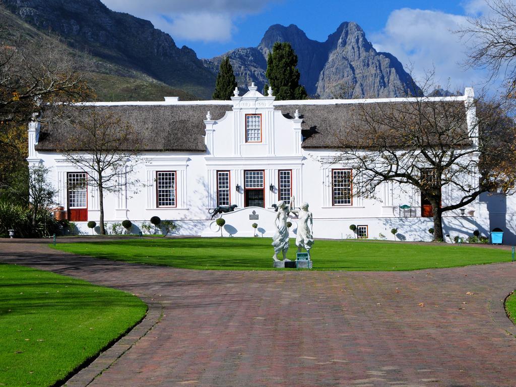 Oudtshoorn – Winelands – Kapstadt : Fahrt über die Panoramastraße 62, Stopp in der Weinregion mit Weinprobe