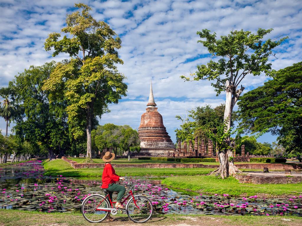Sukhothai – Ayutthaya: Fahrradtour durch den Geschichtspark, Fahrt nach Ayutthaya, Ankunft am frühen Abend