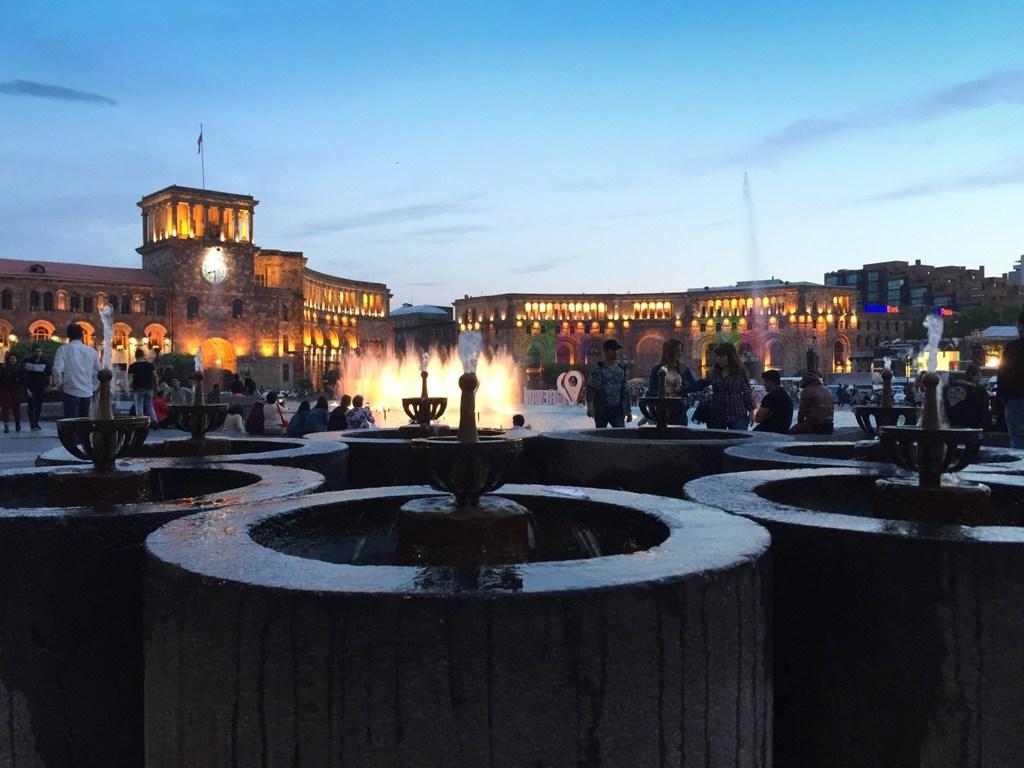 Jerewan - Platz der Republik