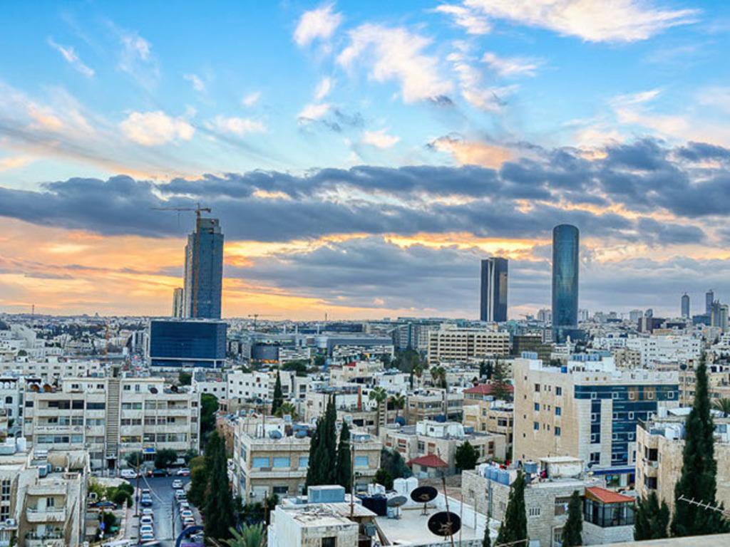 Sandy Palace **** in Amman