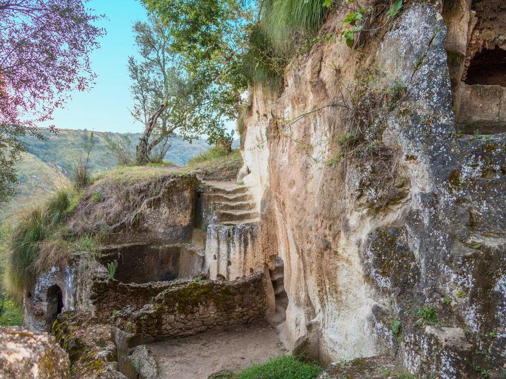 Tropea – Zungri – Tropea: Besichtigung der Höhlenwohnungen, Kochdemonstration mit Verkostung der Fileja-Nudeln