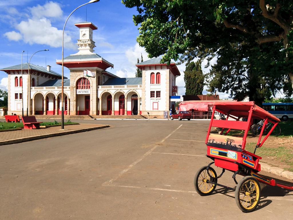 Miandrivazo – Antsirabe: Fahrt nach Antsirabe, Stadtspaziergang