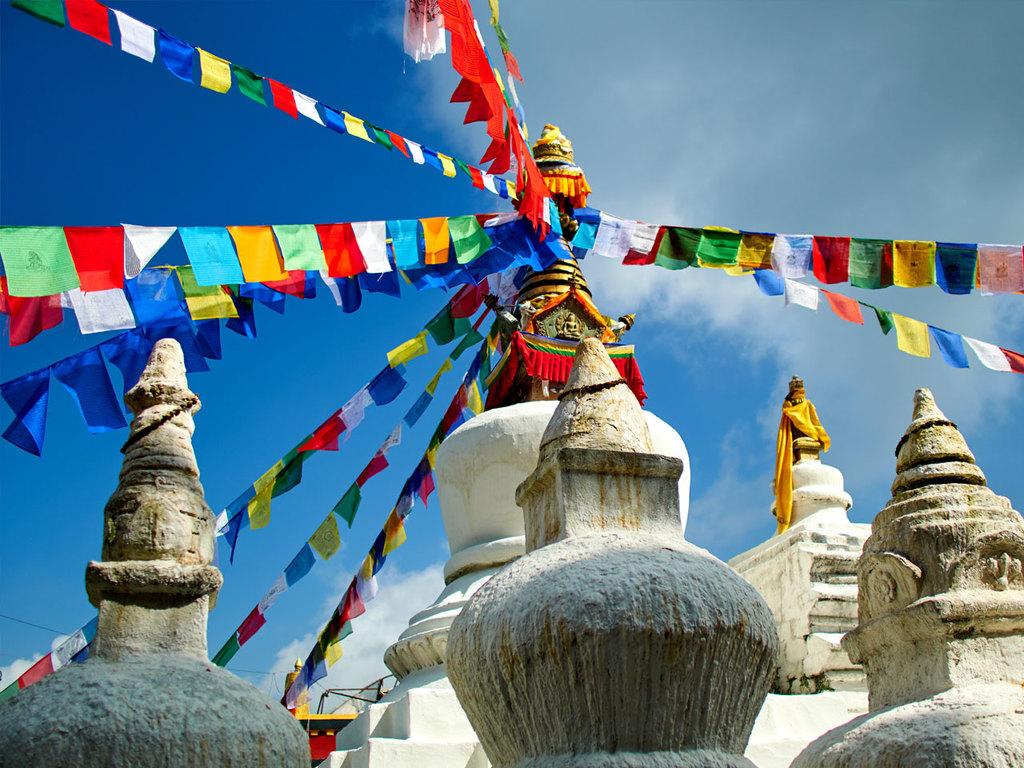 Kathmandu – Namobuddha – Balthali: Besuch im Kloster von Namobuddha, Wanderung nach Balthali