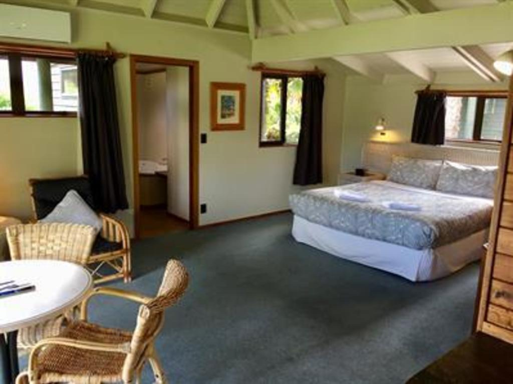 Pacific Harbours Villas *** in Coromandel
