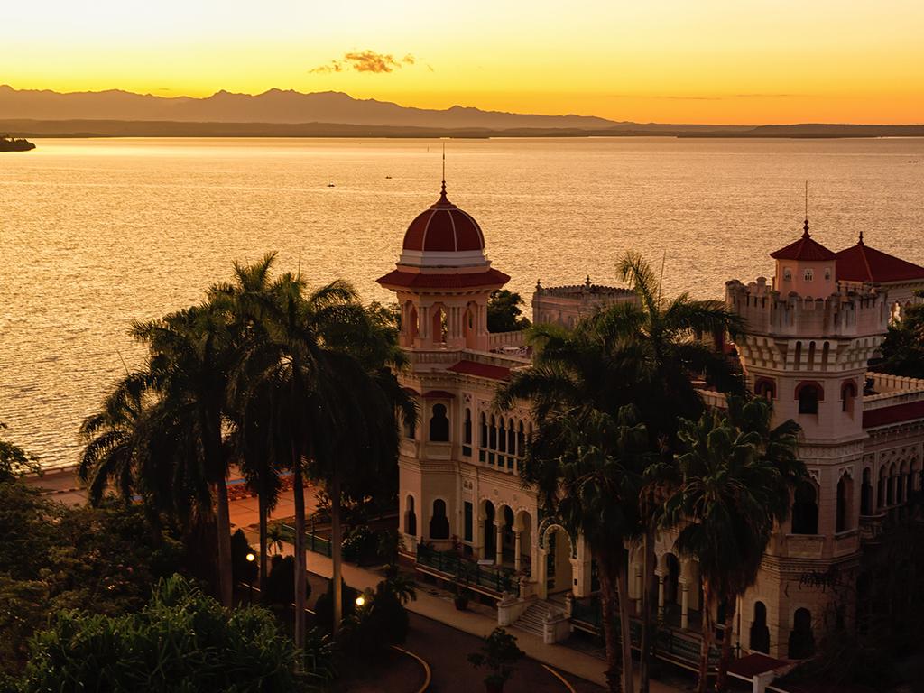 Trinidad – Cienfuegos – Santa Clara – Havanna: Stadtrundgang Cienfuegos mit Palacio de Valle, Che Guevara Mausoleum in Santa Clara