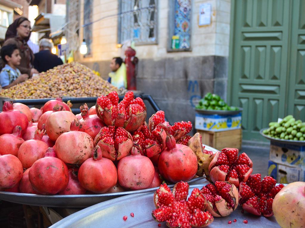 Mesr Wüste – Tabas: Fahrt nach Tabas, unterwegs Namak-Salzsee, Spaziergang durch Orangen- und Zitronenplantagen