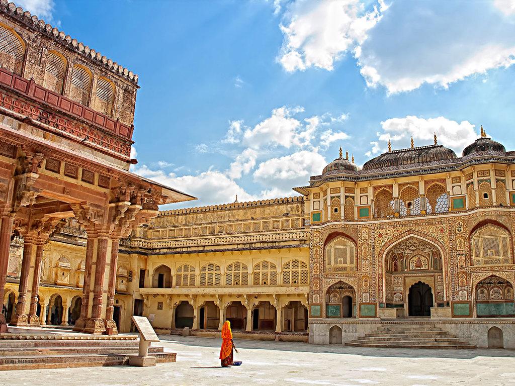 Jaipur: Palast der Winde, Amber Fort, Stadtpalast, Observatorium Jantar Mantar, Basarerkundung