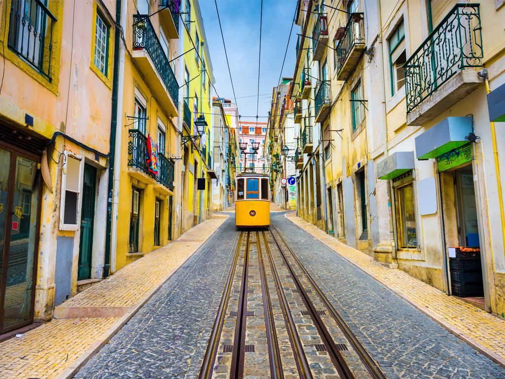 Lissabon: Stadtbesichtigung mit der Tram 28 und zu Fuß, Alfama (Altstadt) ausführlich