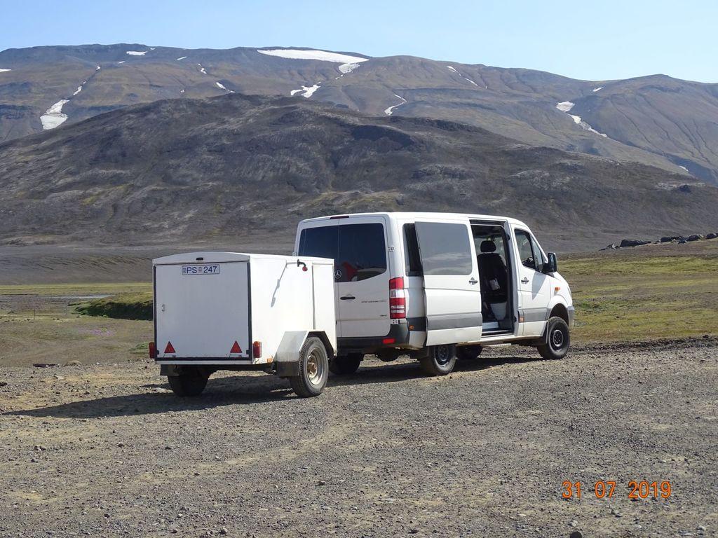 Beispielfoto für unseren geländegängigen Bus auf Island