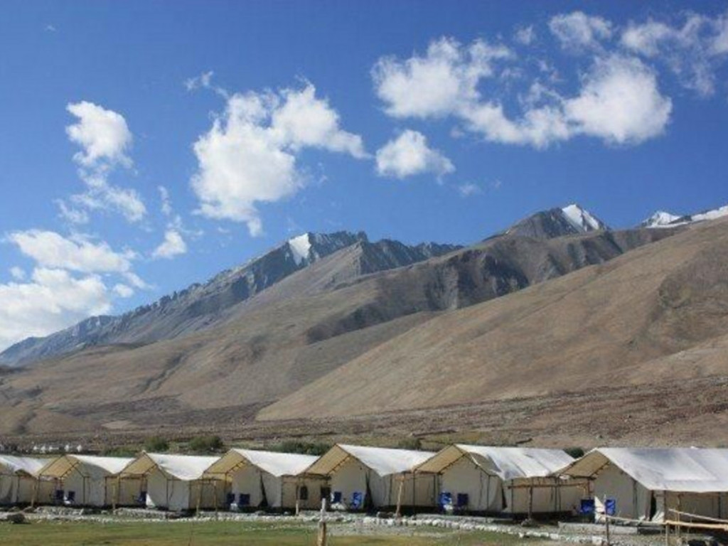 Hütten   in Sumoor