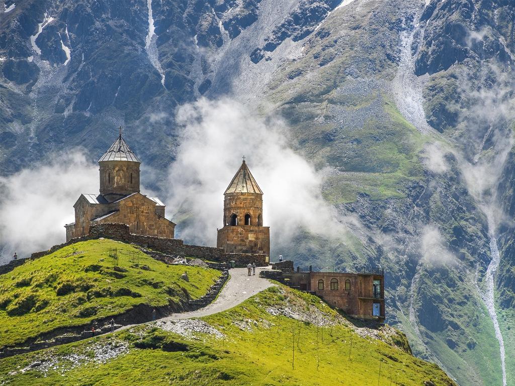 Stepanzminda – Mzcheta – Tiflis : Wanderung zur Gergeti-Kirche, ehemalige Hauptstadt Mzcheta