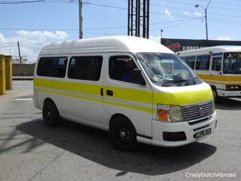 In Trinidad bringen uns überwiegend gechartete Busse von Ort zu Ort.