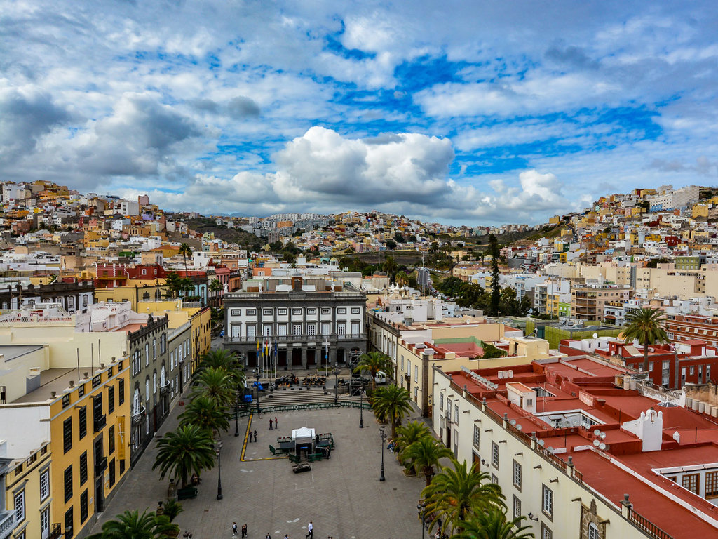 La Laguna – Santa Cruz – Las Palmas de Gran Canaria: mit der Straßenbahn nach Santa Cruz, Spaziergang, Fährüberfahrt nach  Las Palmas de Gran Canaria