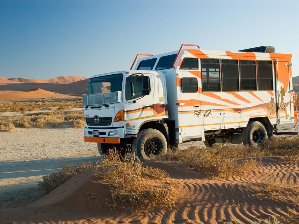 Einer unserer Overland Trucks in Namibia