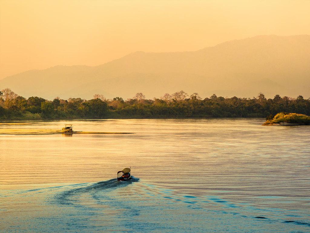Chiang Saen – Chiang Rai: Bootsfahrt auf dem Mekong, Opiummuseum, der weiße Tempel Wat Rong Khun