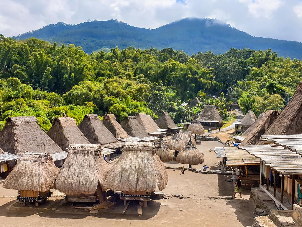 Riung – Soa – Bajawa : heiße Quellen und Marktbesuch
