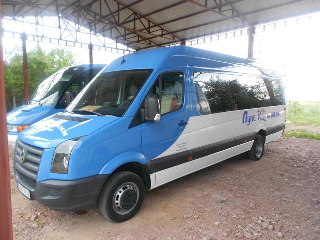 Beispiel für einen Minibus in Mazedonien (20-Sitzer)