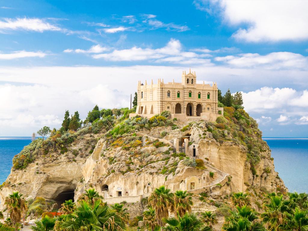Tropea – Capo Vaticano – Tropea: Spaziergang durch Tropea, Ausflug zum Kap, nachmittags Freizeit