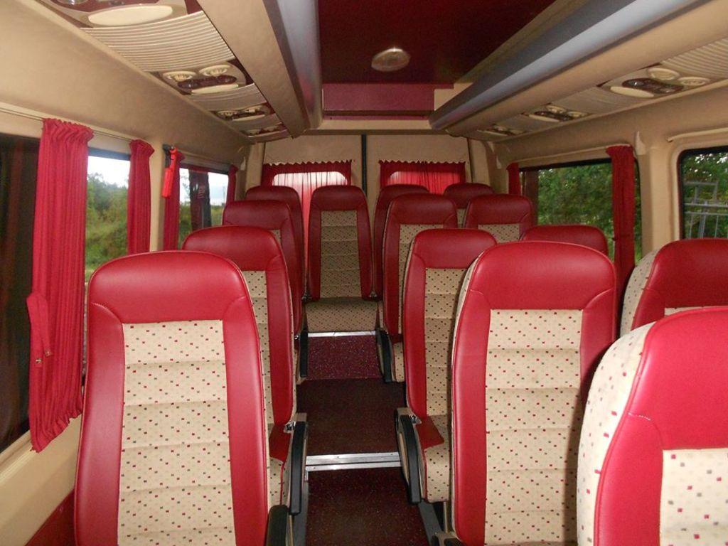 Beispiel für einen Minibus (20-Sitzer)