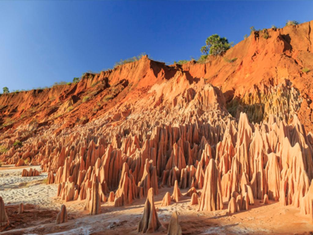 Diego Suarez (Antsiranana) – Rote Tsingy – Ankarana-Nationalpark: Besuch der Roten Tsingy