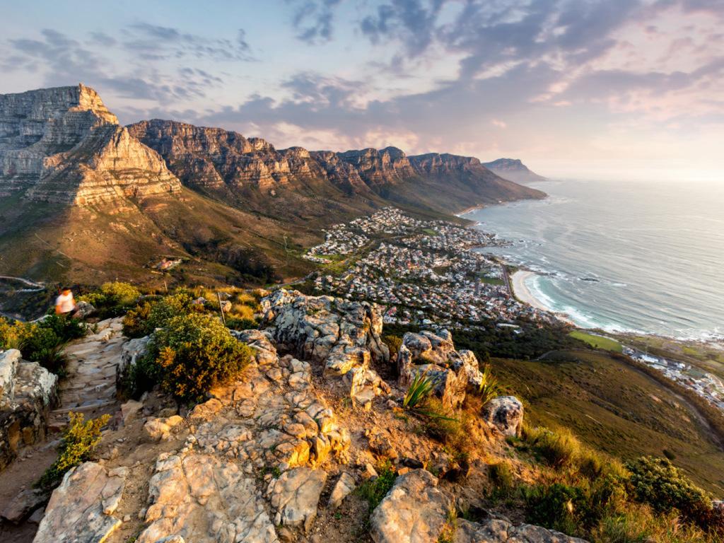 Kapstadt: Wanderung auf den Tafelberg (wetterabhängig; alternativ Ausflug in die Winelands), kurze Citytour
