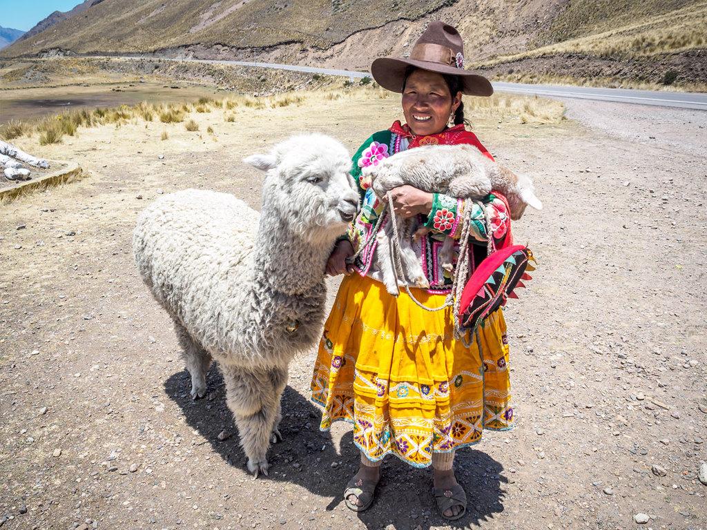 Cuzco – Heiliges Tal – Aguas Calientes: Besuch der Ruinen und des Marktes von Pisaq, Tempelburg von Ollantaytambo, Bahnfahrt nach Aguas Calientes