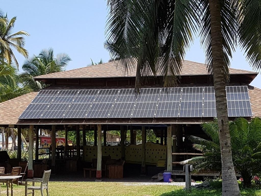 Ko-Sa Beach Resort **(*) in Ampenyi