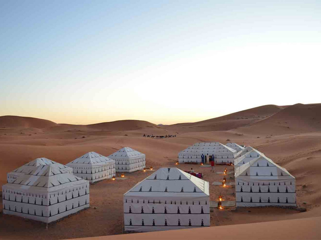 Desert Camp Bouchedor *** in der Wüste