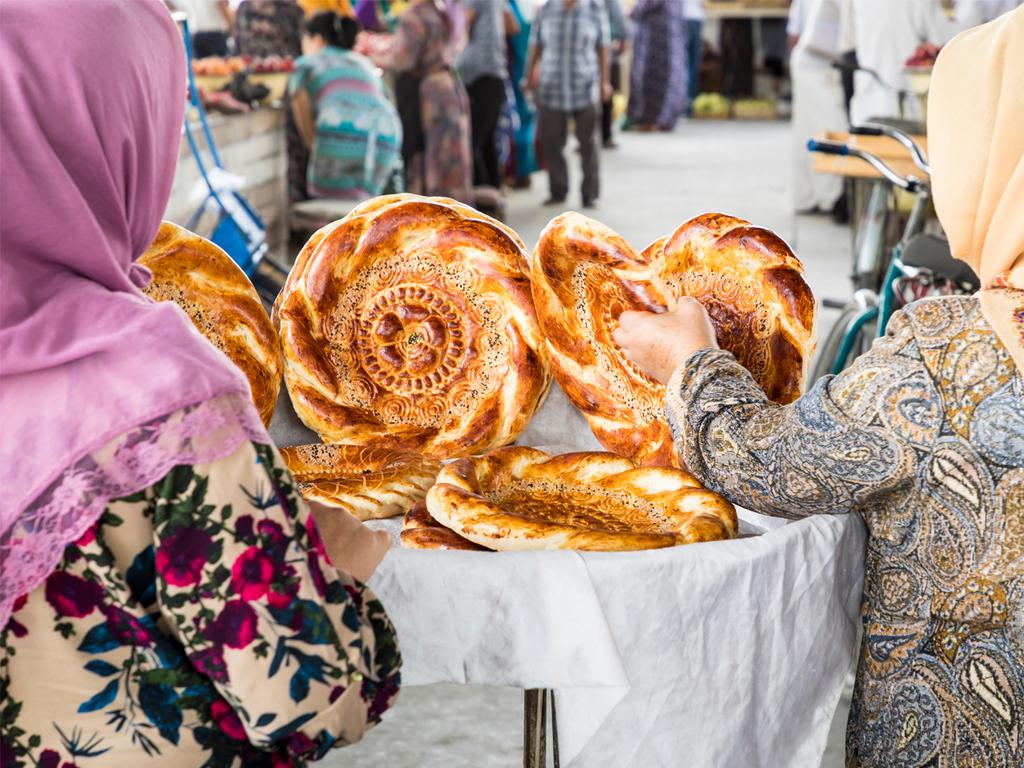 Samarkand: Bibi Khanum-Moschee, Basar Siab, Besuch einer Teestube, Nekropole Schah-e-Sinda, freier Nachmittag