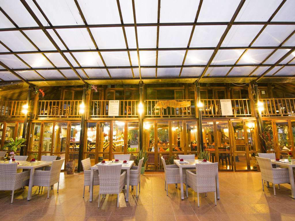 Phong Nha Lake House Resort*** in Don Hoi