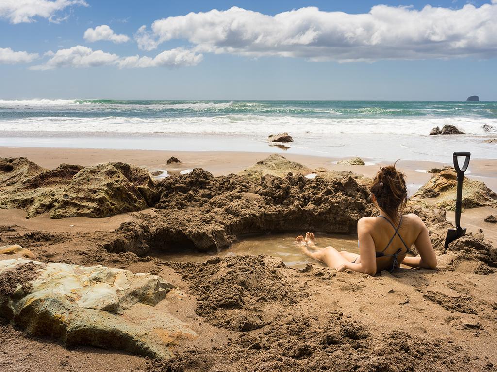 Paihia – Coromandel : Hot Water Beach mit natürlichem Whirlpool