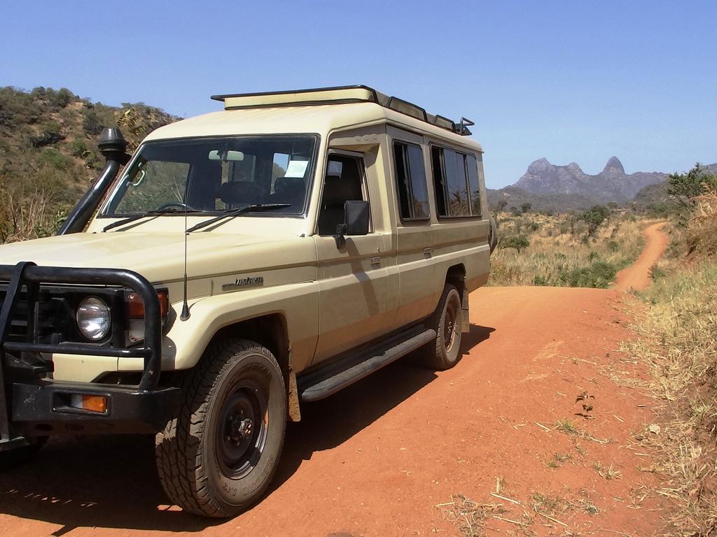 Unsere Landcruiser in Uganda
