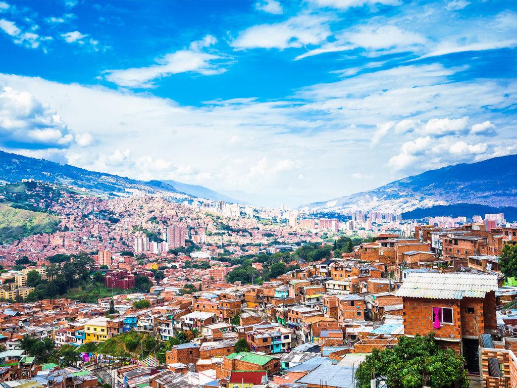 Medellín : mit der Metro ins Viertel Comuna 13 mit Führung, Besichtigung Stadtzentrum mit Plaza Botero
