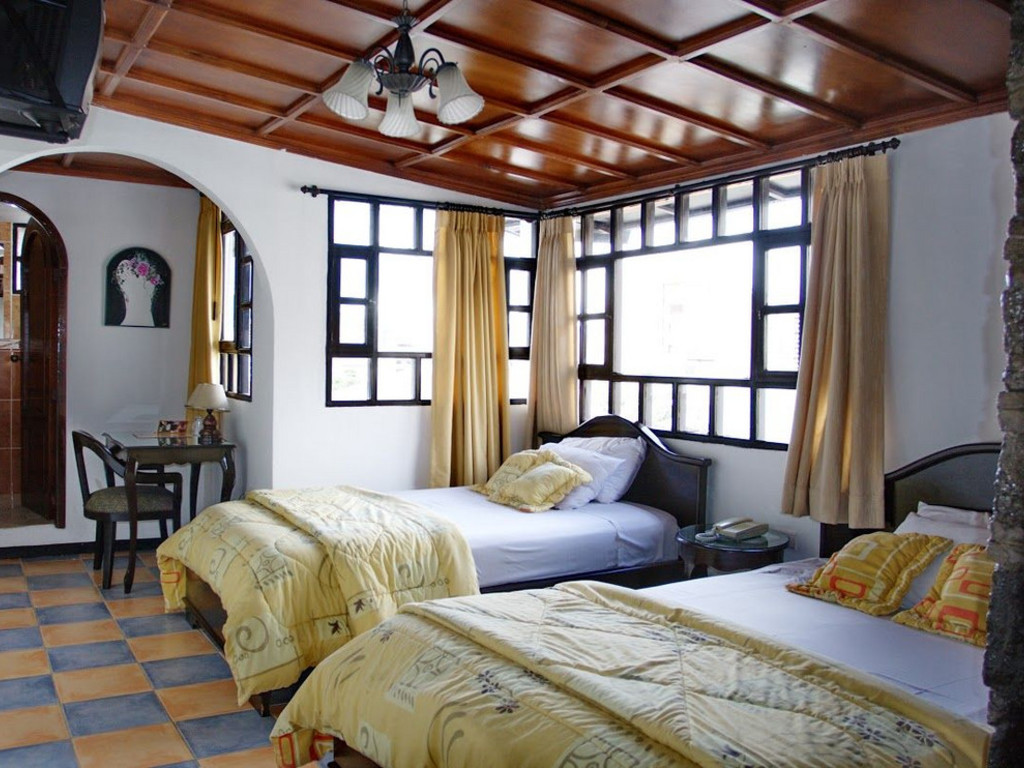 Hotel Fuente de Piedra 1 *** in Quito
