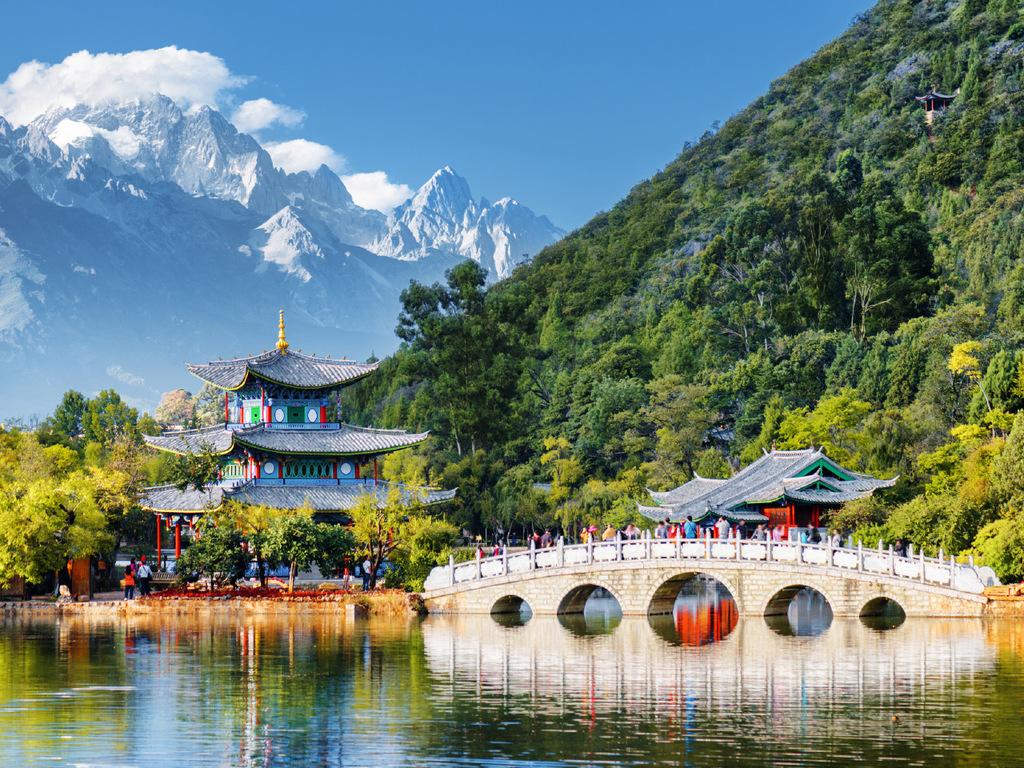 Lijiang : Marktbesuch, Fahrradtour mit Teich des schwarzen Drachen, Museum, Dorfbesuche in Shuhe und Baisha