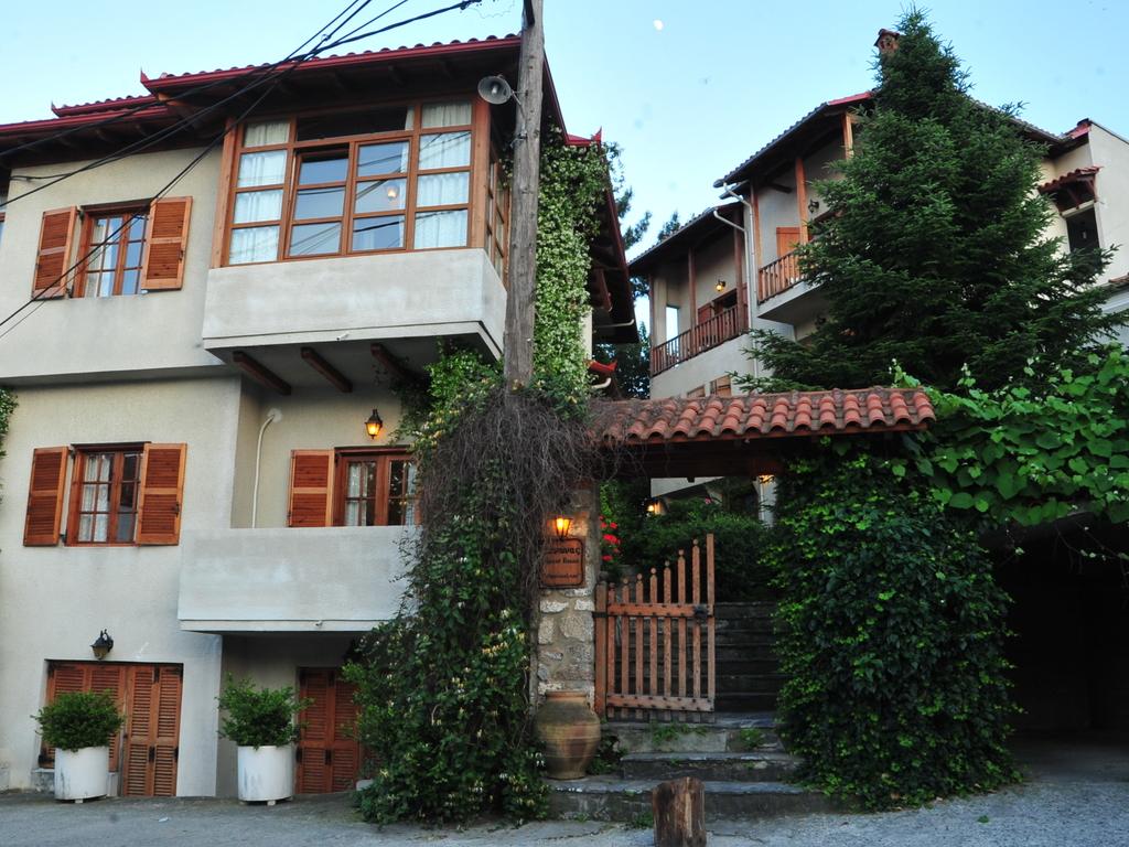 Papa Nikolau Guesthouse  ** in Litochoro