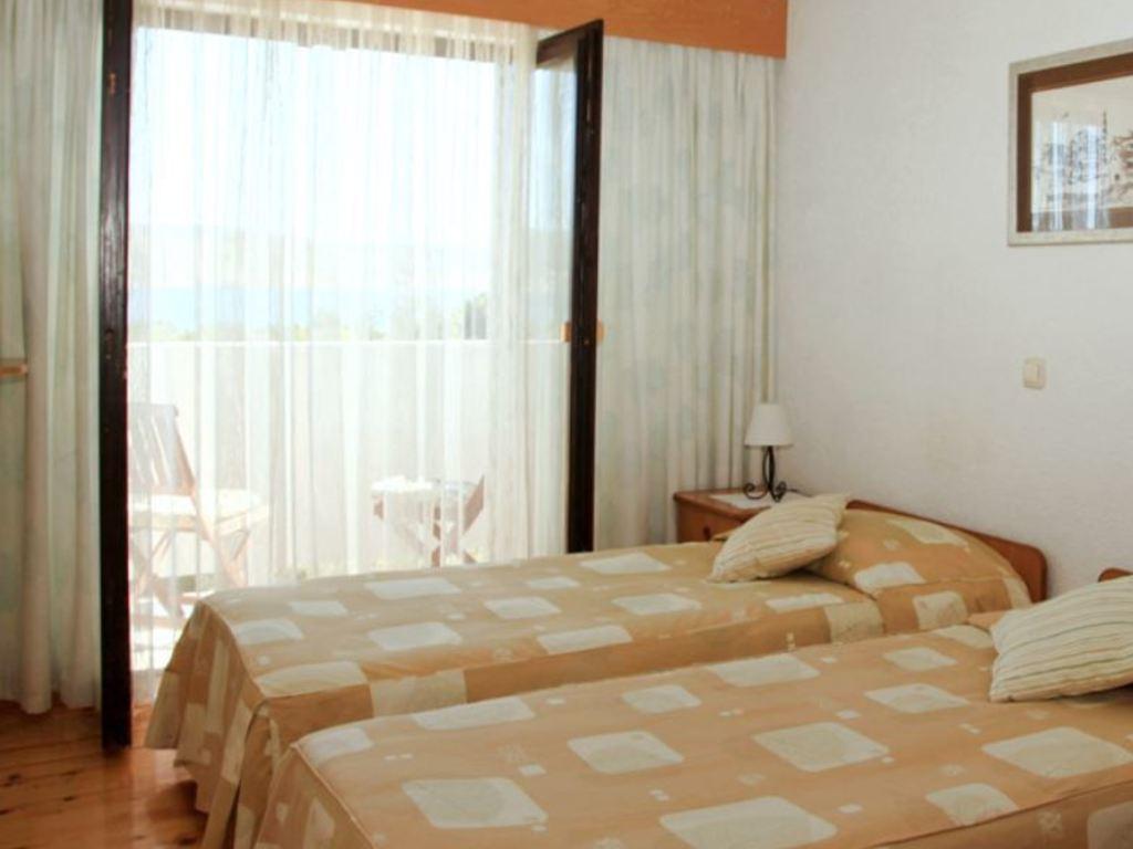Hotel Rajna** in Starigrad
