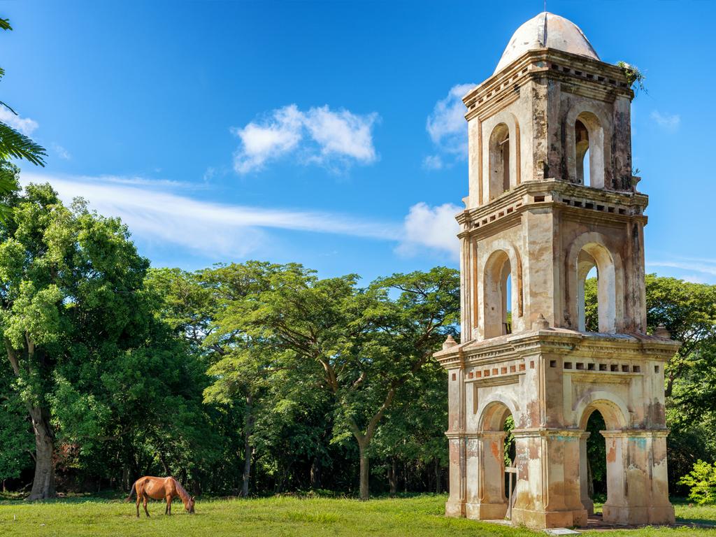 Trinidad – Zuckermühlental – Sierra de Cunagua – Camagüey: Besuch Zuckermühlental, Wanderung im Naturpark Sierra Cunagua, Stadtrundfahrt im Bici-Taxi durch Camagüey