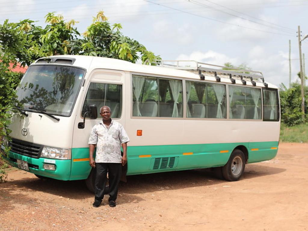 Einer unserer Kleinbusse in Ghana und Togo für größere Gruppen