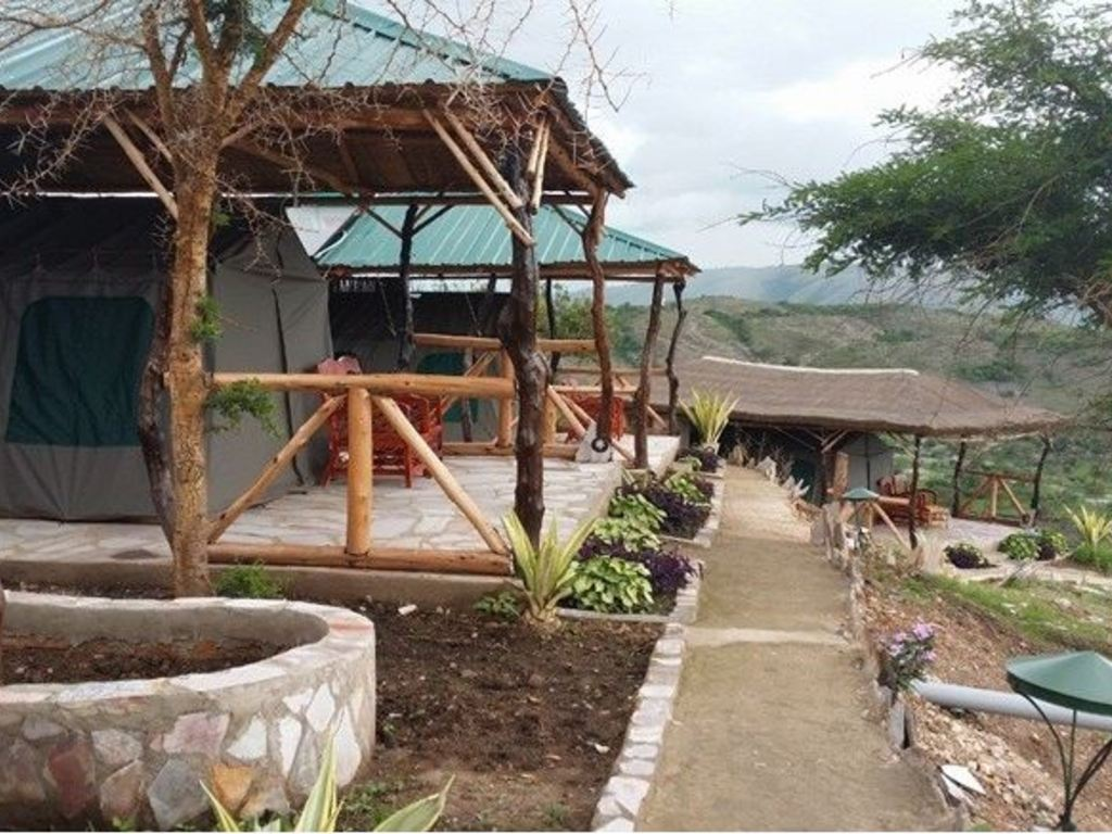 Eagle's Nest Tented Lodge *** am Lake Mburo-Nationalpark