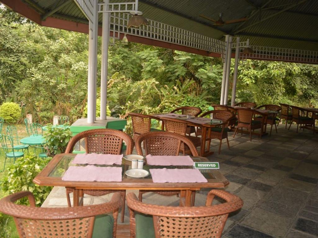 Riverside Spring Resort **(*) in Kurintar