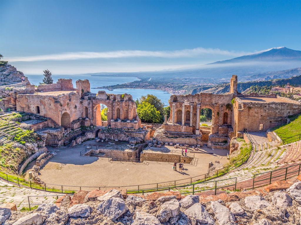 Letojanni – Taormina – Castelmola –  Letojanni: Besichtigung von Taormina, Wanderung nach Castelmola